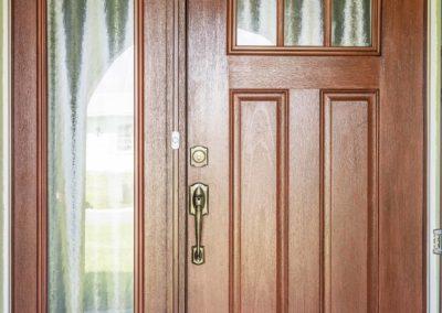 IMPACT DOOR WITH SIDELIGHT 2 400x284